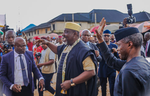 VP Osinbajo arrives Relief Market, Owerri; flanked by He is accompanied by Governor of Imo State, Owelle Rocha's Okorocha.