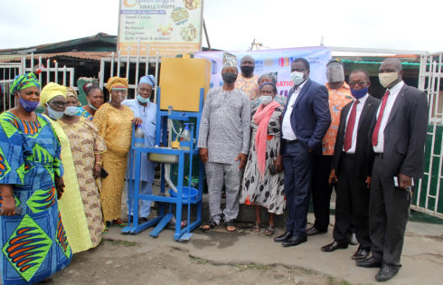 COVID-19: Rotary Club of Ikoyi donates handwashing machine to Sura Market